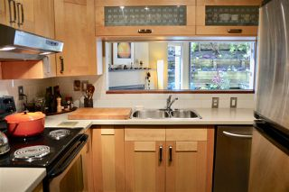 """Photo 10: 102 1665 ARBUTUS Street in Vancouver: Kitsilano Condo for sale in """"THE BEACHES"""" (Vancouver West)  : MLS®# R2353969"""