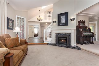 Photo 4: 14211 86 Avenue in Surrey: Bear Creek Green Timbers House for sale : MLS®# R2355775