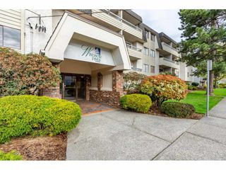 """Main Photo: 303 9477 COOK Street in Chilliwack: Chilliwack N Yale-Well Condo for sale in """"Windsor Pines"""" : MLS®# R2356855"""