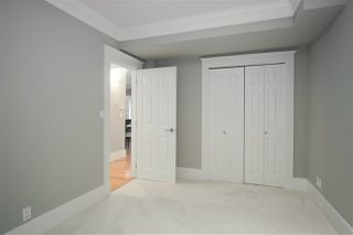 """Photo 14: 1 217 E KEITH Road in North Vancouver: Lower Lonsdale Townhouse for sale in """"PAINE RESIDENCE"""" : MLS®# R2358565"""