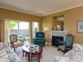 Photo 3: 1 1646 Balmoral Ave in COMOX: CV Comox (Town of) Row/Townhouse for sale (Comox Valley)  : MLS®# 813607