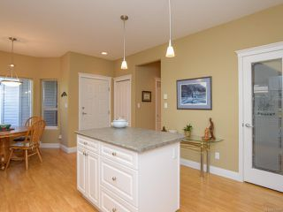 Photo 13: 1 1646 Balmoral Ave in COMOX: CV Comox (Town of) Row/Townhouse for sale (Comox Valley)  : MLS®# 813607