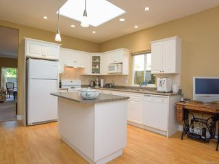 Photo 12: 1 1646 Balmoral Ave in COMOX: CV Comox (Town of) Row/Townhouse for sale (Comox Valley)  : MLS®# 813607