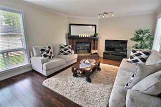 Photo 3: 9435 177 Avenue in Edmonton: Zone 28 House for sale : MLS®# E4160360