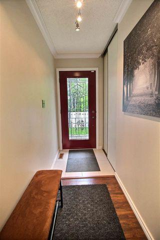 Photo 2: 9435 177 Avenue in Edmonton: Zone 28 House for sale : MLS®# E4160360