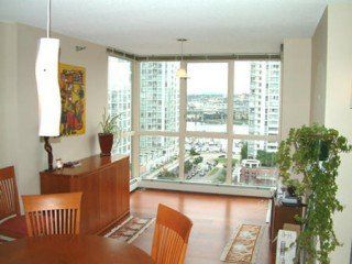 Photo 3: 1102 212 DAVIE Street in Vancouver West: Home for sale : MLS®# V548732