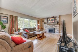Photo 2: 3611 HUGHES Place in Port Coquitlam: Woodland Acres PQ House for sale : MLS®# R2379595