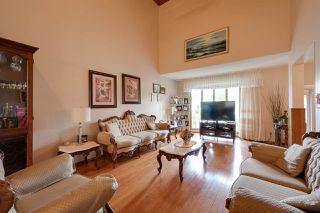 Photo 2: 28 GRAND MEADOW Crescent in Edmonton: Zone 29 House for sale : MLS®# E4161507