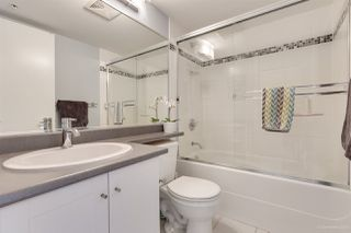 "Photo 9: 1302 833 AGNES Street in New Westminster: Downtown NW Condo for sale in ""NEWS"" : MLS®# R2380511"