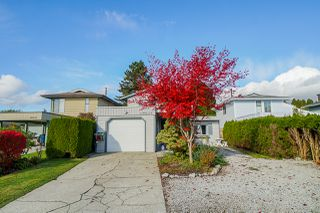 Photo 2: 19027 117A Avenue in Pitt Meadows: Central Meadows House for sale : MLS®# R2415432