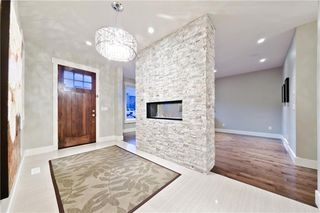 Photo 2: 2230 26 ST SW in Calgary: Killarney/Glengarry House for sale : MLS®# C4275209