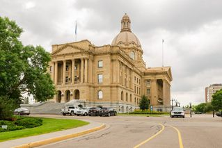 Photo 5: 208 9730 106 Street in Edmonton: Zone 12 Condo for sale : MLS®# E4181189