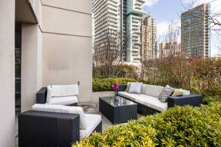 "Photo 16: 409 822 SEYMOUR Street in Vancouver: Downtown VW Condo for sale in ""L'Aria"" (Vancouver West)  : MLS®# R2444426"