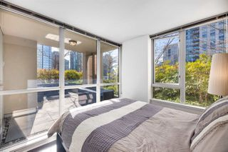 "Photo 11: 409 822 SEYMOUR Street in Vancouver: Downtown VW Condo for sale in ""L'Aria"" (Vancouver West)  : MLS®# R2444426"