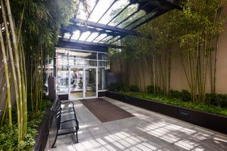"""Photo 17: 409 822 SEYMOUR Street in Vancouver: Downtown VW Condo for sale in """"L'Aria"""" (Vancouver West)  : MLS®# R2444426"""
