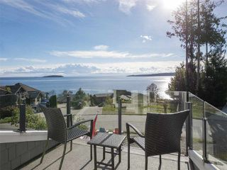 Photo 2: 9290 JORGENSEN Drive in Halfmoon Bay: Halfmn Bay Secret Cv Redroofs House for sale (Sunshine Coast)  : MLS®# R2509378