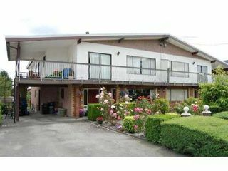 Photo 1: 4508 INMAN Avenue in Burnaby: Burnaby Hospital House Duplex for sale (Burnaby South)  : MLS®# V892209