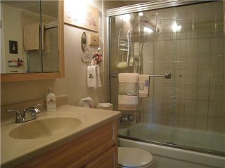 Photo 8: 210 206 E 15TH Street in North Vancouver: Central Lonsdale Condo for sale : MLS®# V915190