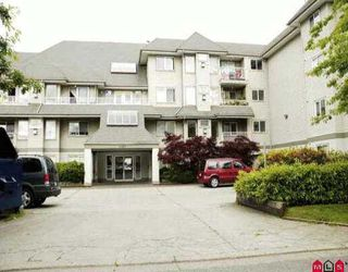 "Photo 1: 106 33407 TESSARO CR in Abbotsford: Central Abbotsford Condo for sale in ""TESSARO COURT"" : MLS®# F2612219"