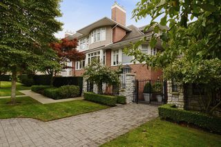 "Photo 1: 210 3088 W 41ST Avenue in Vancouver: Kerrisdale Condo for sale in ""LANESBOROUGH"" (Vancouver West)  : MLS®# V1048827"