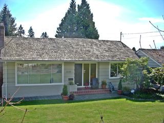 Photo 20: 1310 MATHERS Ave in West Vancouver: Ambleside Home for sale ()  : MLS®# V942490