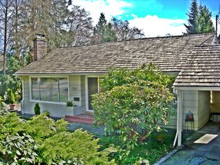 Photo 2: 1310 MATHERS Ave in West Vancouver: Ambleside Home for sale ()  : MLS®# V942490