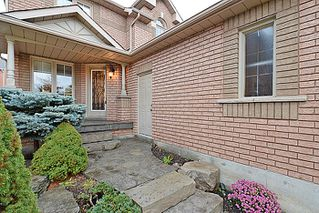 Photo 2: 51 National Crest in Brampton: Snelgrove House (2-Storey) for sale : MLS®# W2910714