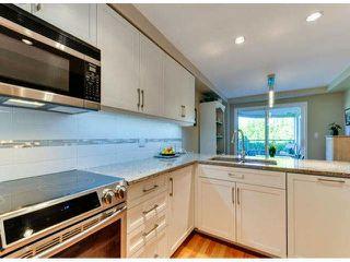 "Photo 5: 405 1725 128TH Street in Surrey: Crescent Bch Ocean Pk. Condo for sale in ""OCEAN PARK GARDENS"" (South Surrey White Rock)  : MLS®# F1427574"
