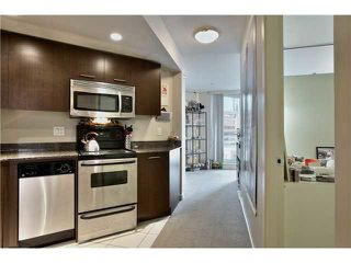 """Photo 1: 703 1212 HOWE Street in Vancouver: Downtown VW Condo for sale in """"1212 HOWE"""" (Vancouver West)  : MLS®# V1111343"""