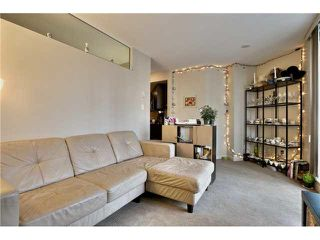 """Photo 9: 703 1212 HOWE Street in Vancouver: Downtown VW Condo for sale in """"1212 HOWE"""" (Vancouver West)  : MLS®# V1111343"""