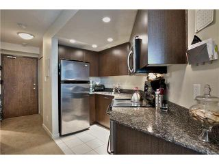 """Photo 5: 703 1212 HOWE Street in Vancouver: Downtown VW Condo for sale in """"1212 HOWE"""" (Vancouver West)  : MLS®# V1111343"""