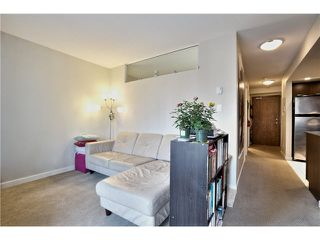 """Photo 4: 703 1212 HOWE Street in Vancouver: Downtown VW Condo for sale in """"1212 HOWE"""" (Vancouver West)  : MLS®# V1111343"""