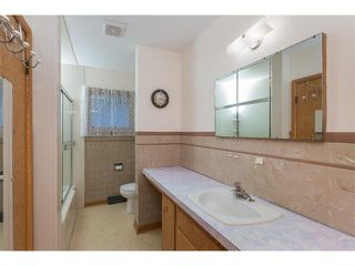 Photo 23: 1011 THORNEYCROFT Drive NW in Calgary: Thorncliffe House for sale : MLS®# C4026935