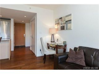 Photo 2: 406 707 Courtney St in VICTORIA: Vi Downtown Condo Apartment for sale (Victoria)  : MLS®# 713085