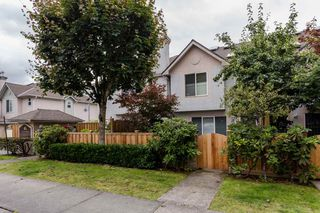 """Photo 3: 2 10080 KILBY Drive in Richmond: West Cambie Townhouse for sale in """"Savoy Gardens"""" : MLS®# R2084135"""
