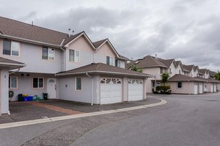 """Photo 2: 2 10080 KILBY Drive in Richmond: West Cambie Townhouse for sale in """"Savoy Gardens"""" : MLS®# R2084135"""