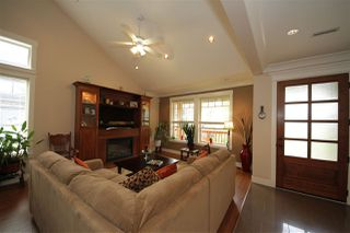 Photo 3: 41437 DRYDEN Road in Squamish: Brackendale House for sale : MLS®# R2088183