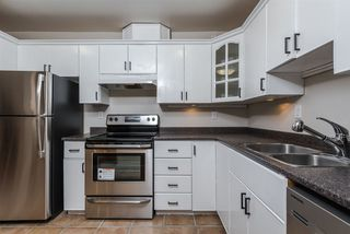"""Photo 8: 205 8680 FREMLIN Street in Vancouver: Marpole Condo for sale in """"COLONIAL ARMS"""" (Vancouver West)  : MLS®# R2089758"""