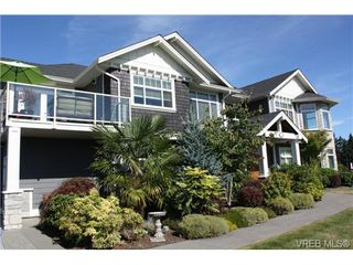 Photo 2: 2142 Blue Grouse Plat in VICTORIA: La Bear Mountain Single Family Detached for sale (Langford)  : MLS®# 741030