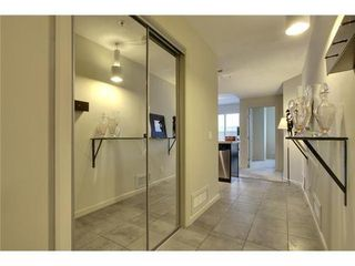Photo 2: 310 1 Street SE in Calgary: Single Level Apartment for sale : MLS®# C3548056