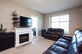 """Photo 10: 413 17712 57A Avenue in Surrey: Cloverdale BC Condo for sale in """"West on the Village Walk"""" (Cloverdale)  : MLS®# R2107869"""