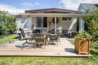 Photo 2: 45822 LEWIS Avenue in Chilliwack: Chilliwack N Yale-Well House for sale : MLS®# R2162991