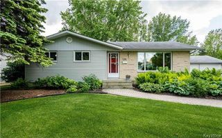 Photo 1: 358 Knowles Avenue in Winnipeg: North Kildonan Residential for sale (3G)  : MLS®# 1715655