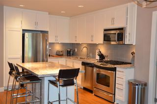 Photo 5: 308 15428 31 Avenue in Surrey: Grandview Surrey Condo for sale (South Surrey White Rock)  : MLS®# R2207485