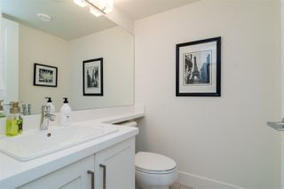 "Photo 4: 23 8570 204 Street in Langley: Willoughby Heights Townhouse for sale in ""WOODLAND PARK"" : MLS®# R2208613"