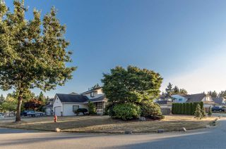 "Photo 2: 9293 155A Street in Surrey: Fleetwood Tynehead House for sale in ""BERKSHIRE PARK"" : MLS®# R2209975"