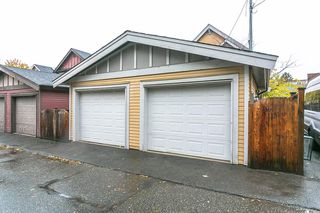 "Photo 16: 1648 E 12TH Avenue in Vancouver: Grandview VE House 1/2 Duplex for sale in ""GRANDVIEW WOODLANDS"" (Vancouver East)  : MLS®# R2222114"