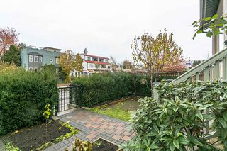 "Photo 2: 1648 E 12TH Avenue in Vancouver: Grandview VE House 1/2 Duplex for sale in ""GRANDVIEW WOODLANDS"" (Vancouver East)  : MLS®# R2222114"