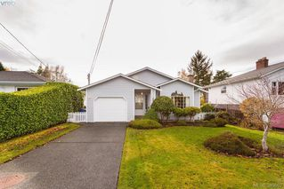Photo 1: 2057 Kings Road in VICTORIA: OB Henderson Single Family Detached for sale (Oak Bay)  : MLS®# 385602