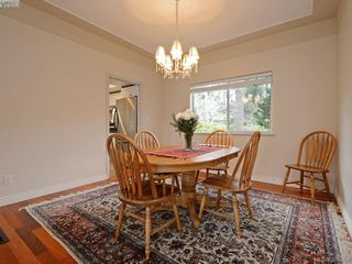 Photo 6: 940 Bearwood Lane in VICTORIA: SE Broadmead Single Family Detached for sale (Saanich East)  : MLS®# 385864